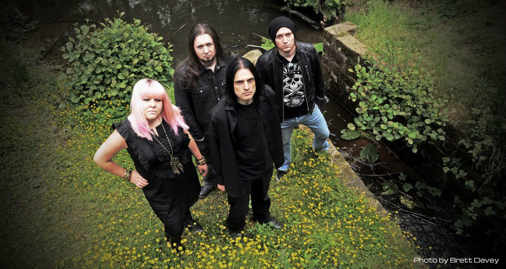 alunah Photo by Brett Devey 1024x545 ALUNAH: Solennial, El Sonido Doom Del Stoner Metal.